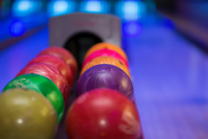 holiday-bowling-party-venue